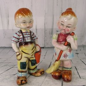 2 Peasant Oriental Chinese Children Figurines